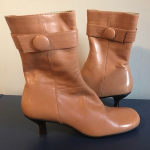 NEW Kenneth Cole Reaction Camel Booties